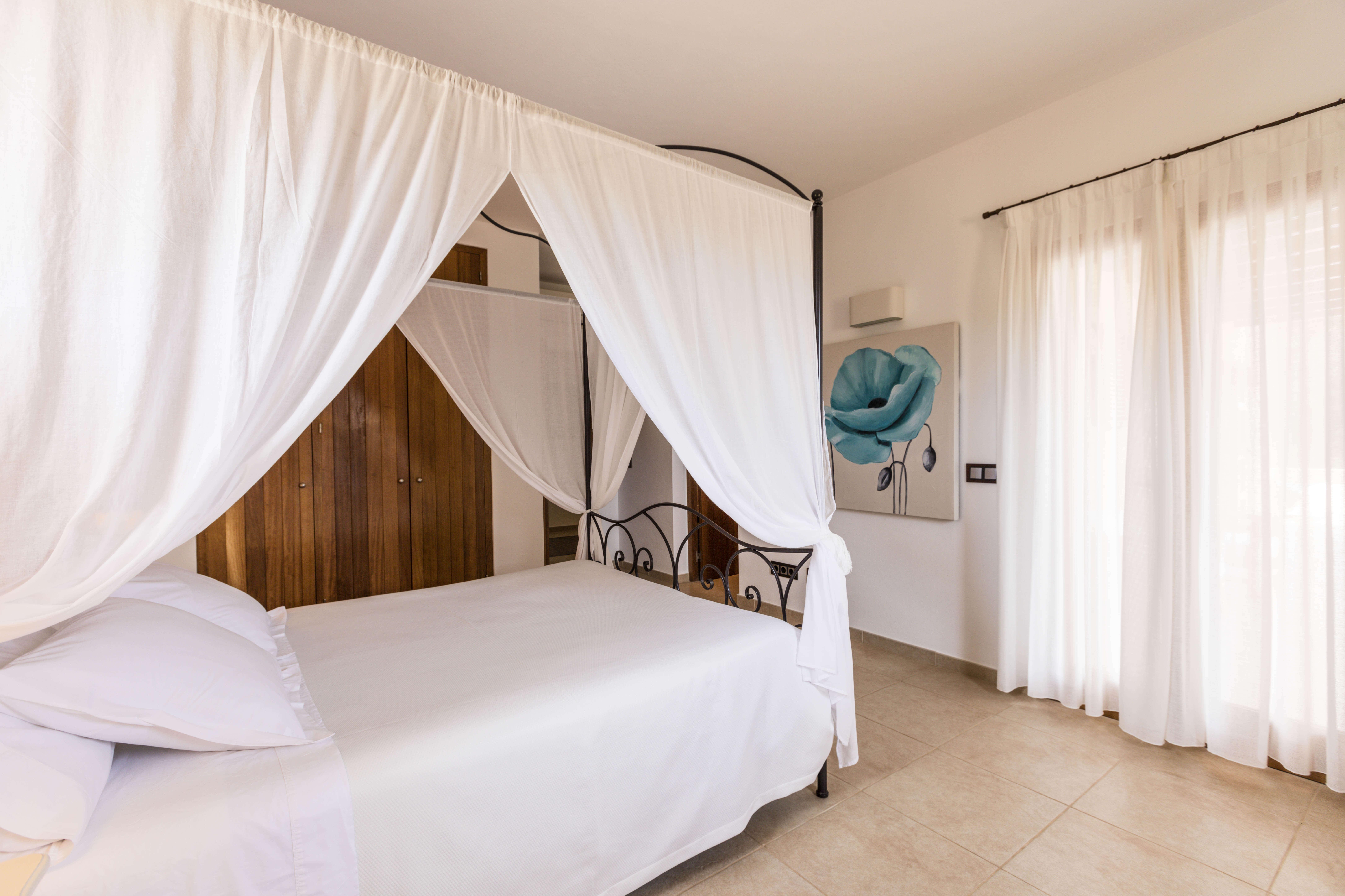 Habitación con terraza privada villa Can Cardona. Alojamientos turísticos Cardona