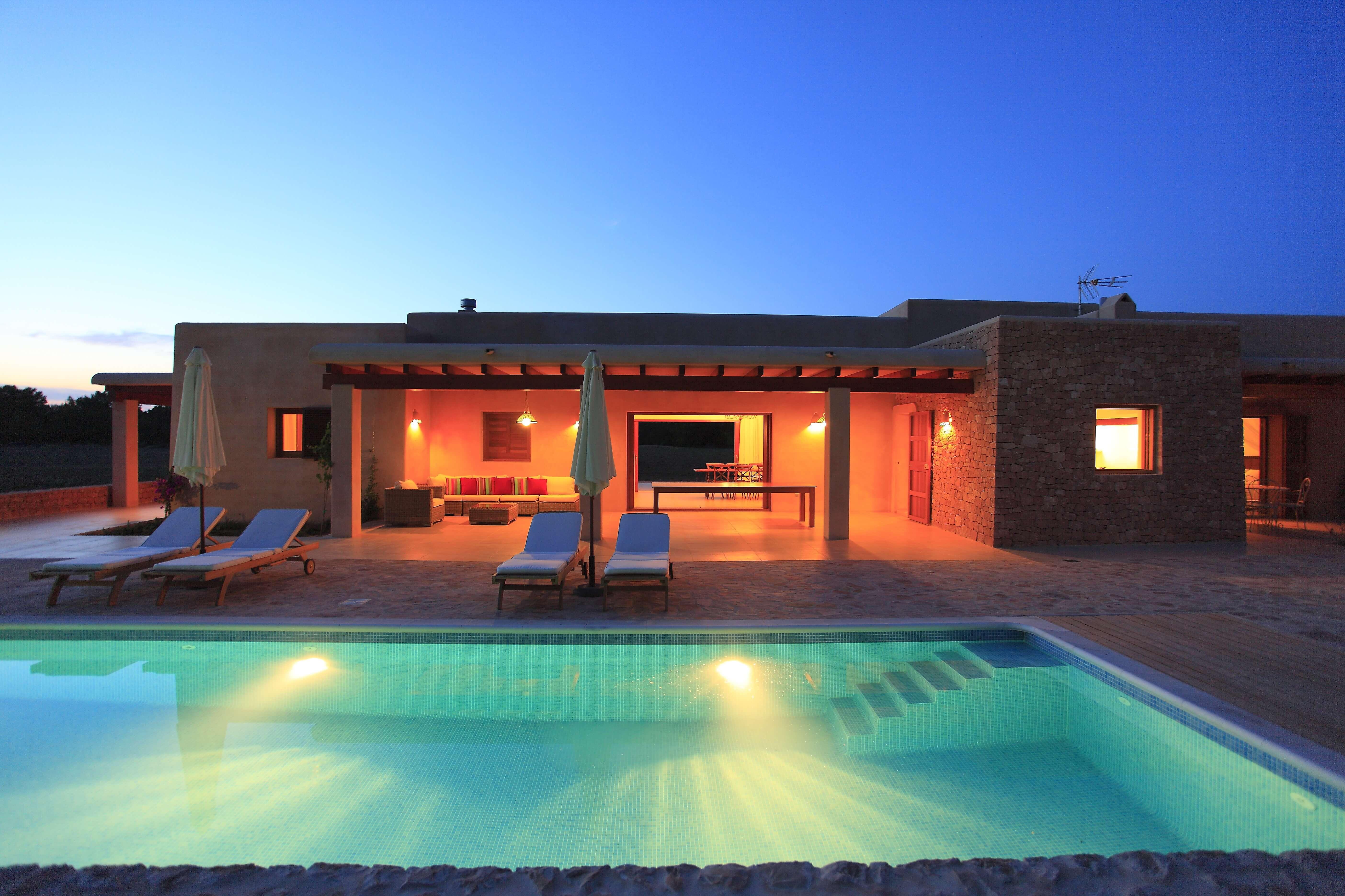Villa con piscina Can Cardona en Formentera. Alojamientos turísticos Cardona