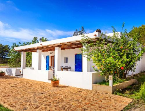 Escapada a Formentera: sorprende a tu pareja con un viaje romántico
