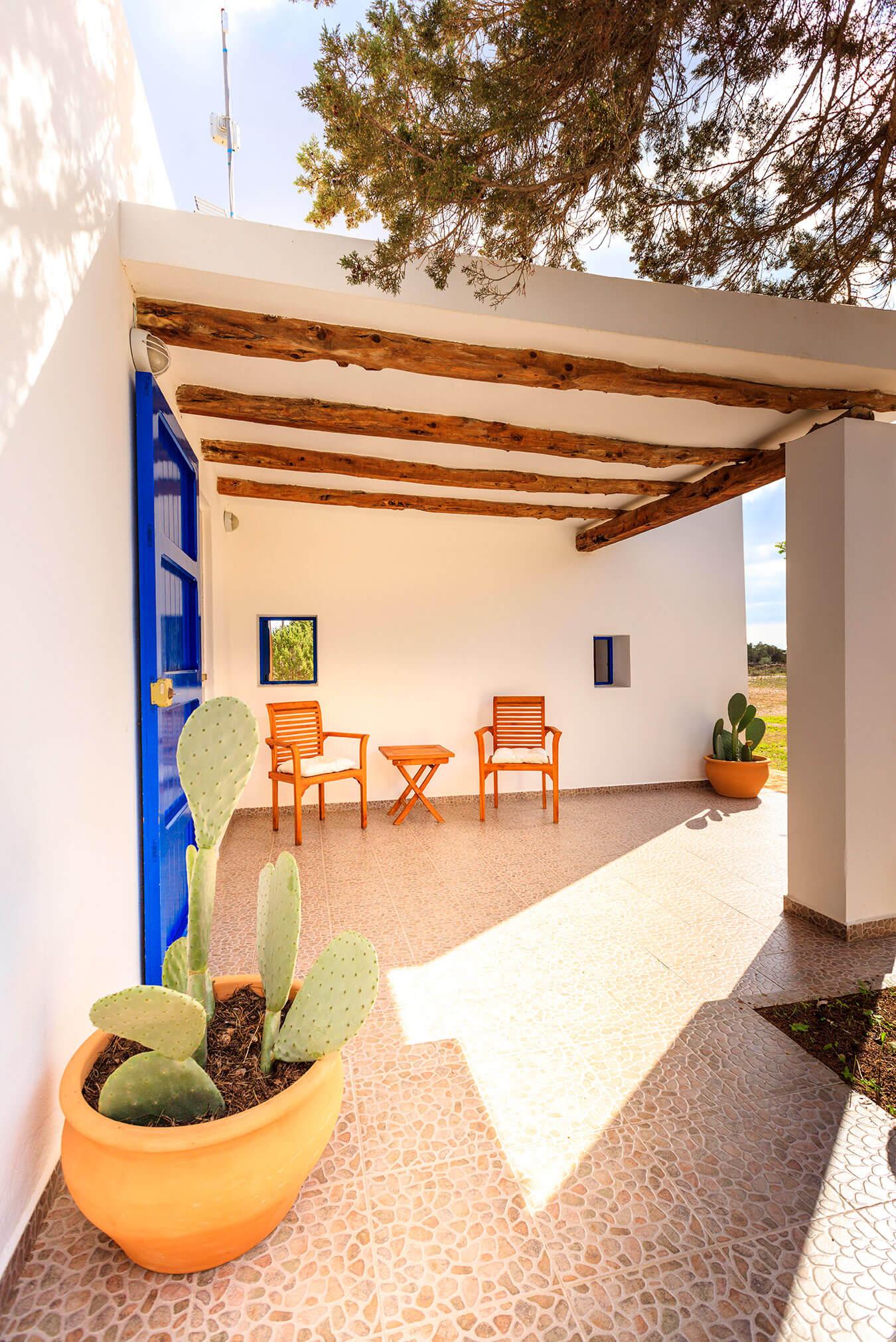 Terraza de casa rural Can Carlets II. Alojamientos turísticos Cardona