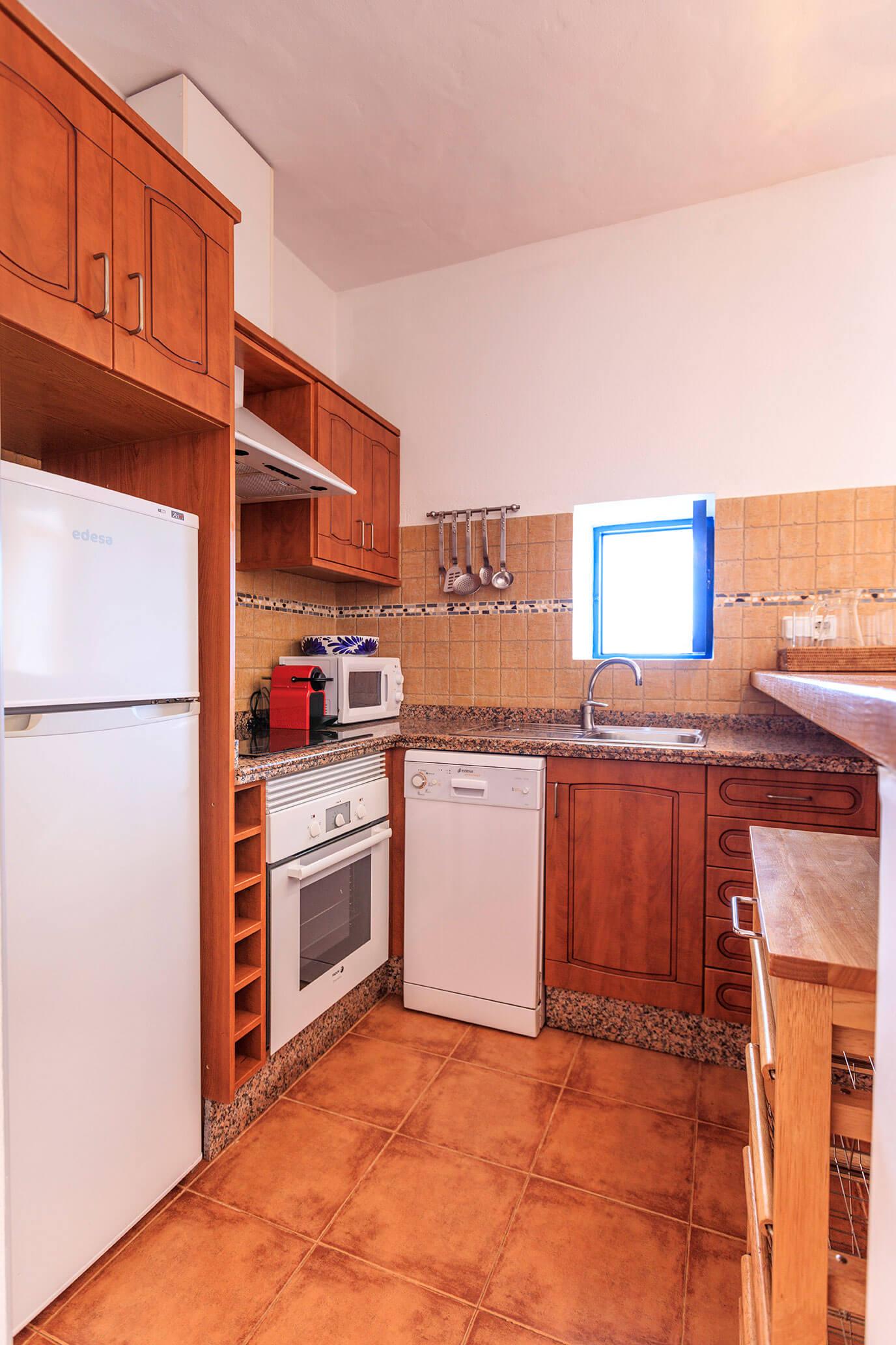 Casa rural Can Carlets II. Cocina completa. Alojamientos turísticos Cardona