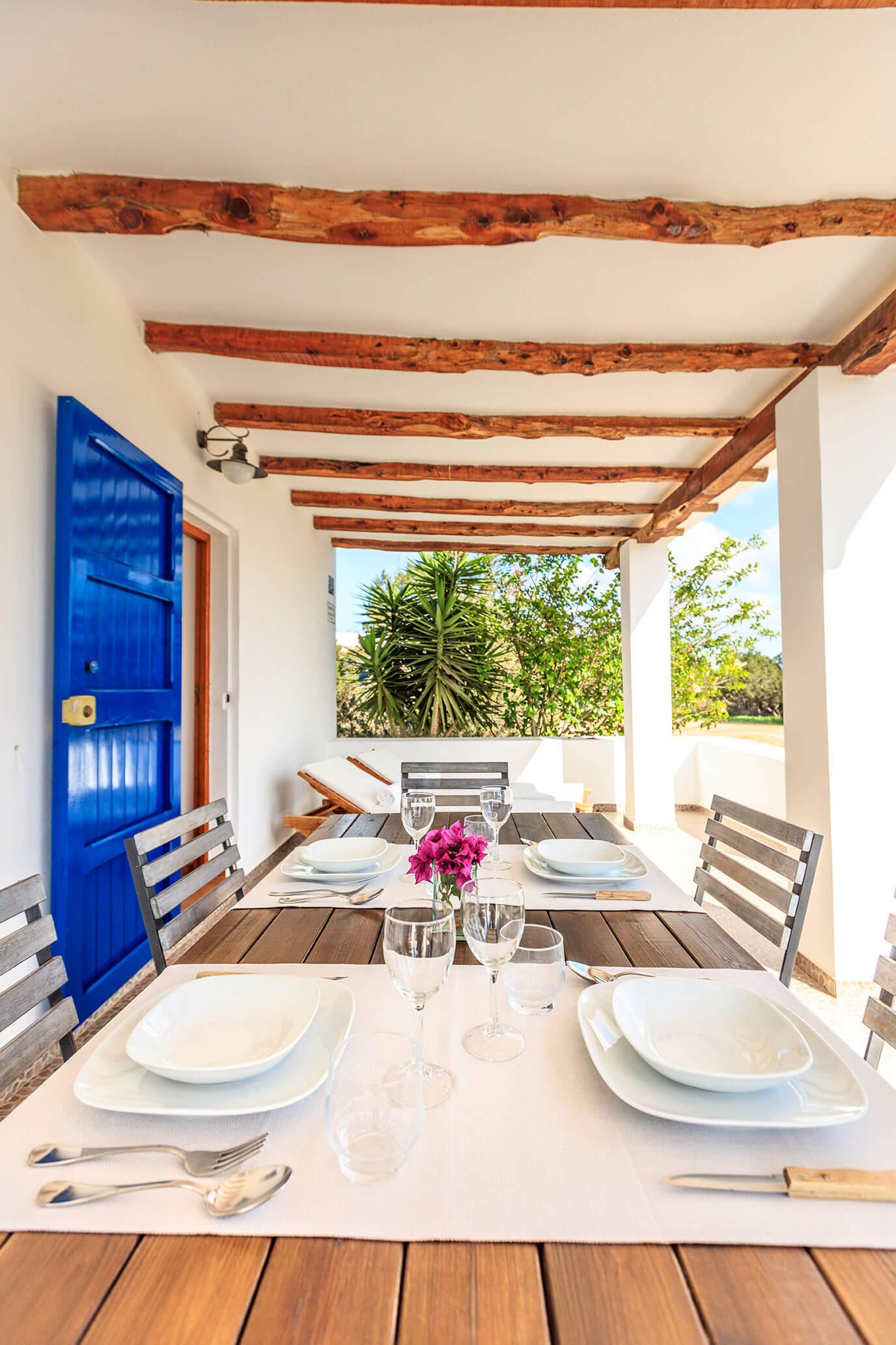 Casa rural en Formentera, próxima a San Francisco Javier. Alojamientos turísticos Cardona