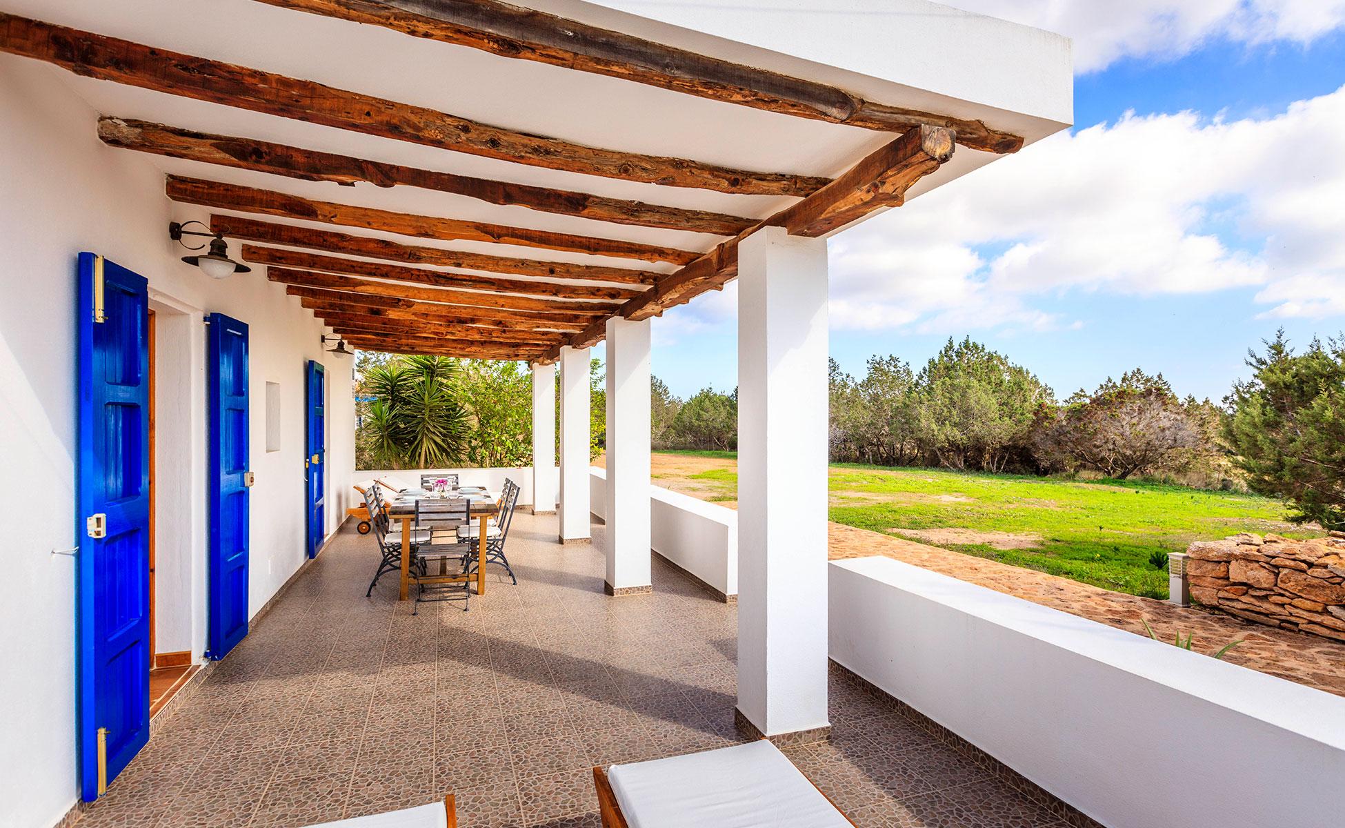 Alojamientos turísticos Cardona. Casa rural en Formentera en los alrededores de La Savina y San Francisco Javier
