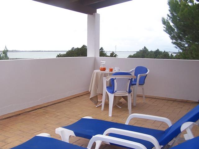 Apartamento vacacional en Formentera. Alojamientos turísticos Cardona. Vistas al mar.
