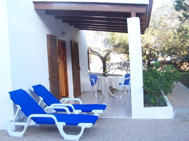 Apartamento turístico con jardín privado en el Parque Natural de Las Salinas. Alojamientos turísticos Cardona